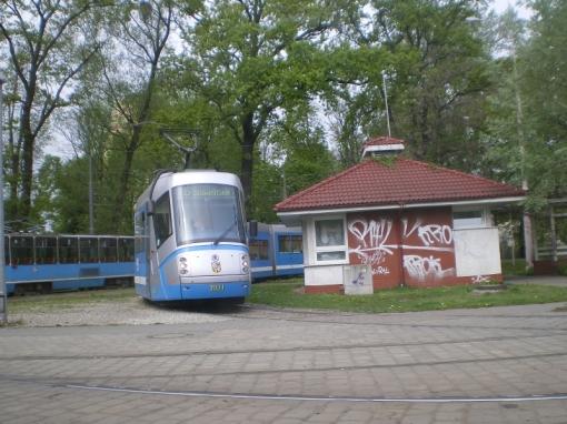 Škoda 16T na wrocławskiej pętli Krzyki