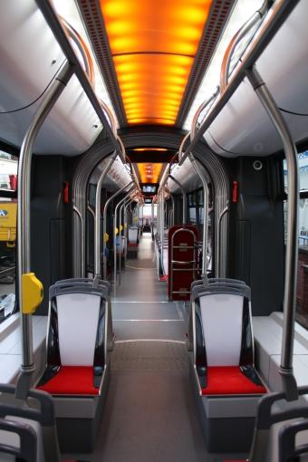 Wnętrze prototypu tramwaju Solaris Tramino