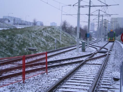Przeplot między torami na trasie Poznańskiego Szybkiego Tramwaju (przy przystanku Słowiańska)