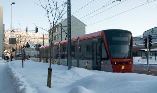 Tramwaj zimą na Bjørnsons gate w Bergen