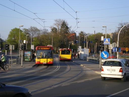 Przystanek tramwajowo-autobusowy Kochanowskiego we Wrocławiu