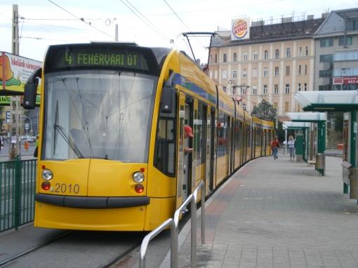 Siemens Combino na Moszkva tér