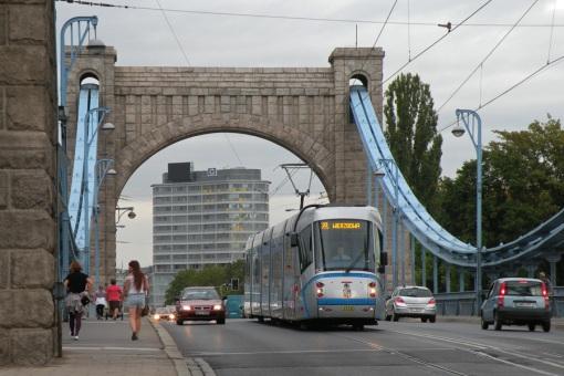 Škoda 19T na Moście Grunwaldzkim we Wrocławiu