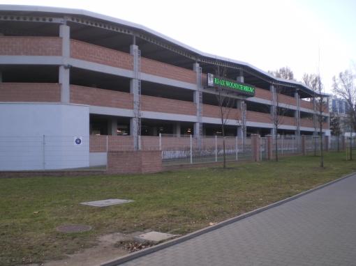 Parking Parkuj i jedź przy stacji metra Marymont w Warszawie