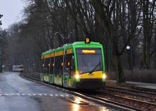 Solaris Tramino S105P (Tramino Poznań) na ulicy Małopolskiej w Poznaniu