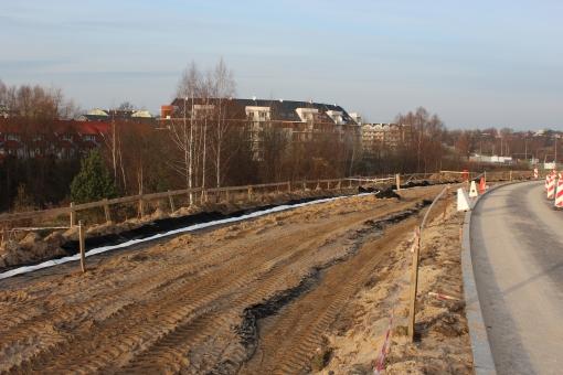 Budowa linii tramwajowej przy ulicy Płoskiego (2 grudnia 2012)
