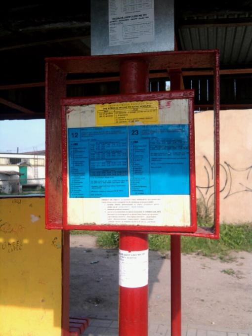 Tabliczka przystankowa na przystanku Dywity