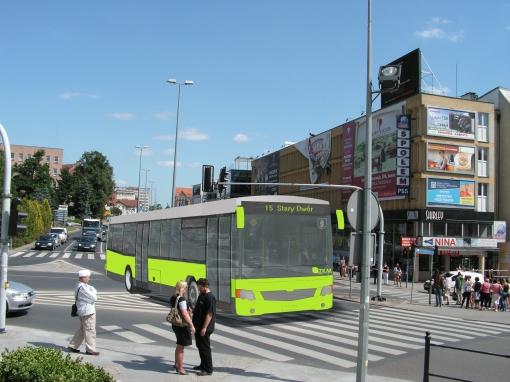 Autobus w malowaniu olsztyńskiego SIM-u