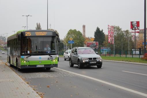 Solbus SM12 na przystanku Pstrowskiego