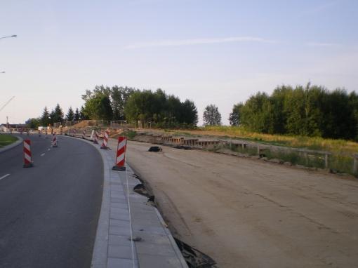 Rozgrzebana budowa torowiska wzdłuż ul. Płoskiego (28 lipca 2013)
