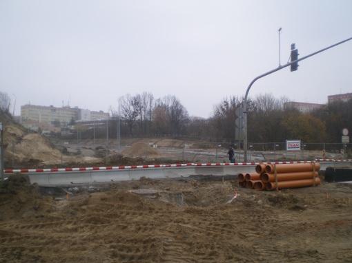 Budowa ulicy Obiegowej i biegnącej przy niej linii tramwajowej (16 listopada 2014)