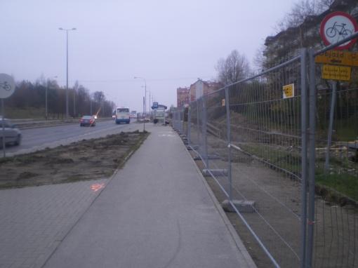 Budowa linii tramwajowej przy alei Sikorskiego - okolice skrzyżowania z ulicą Minakowskiego (16 listopada 2014) © OlsztyńskieTramwaje.pl