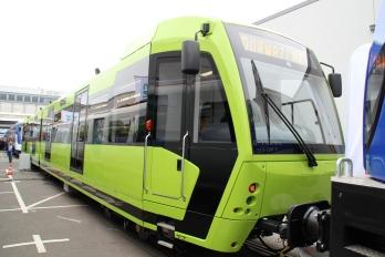Tramwaj wysokoperonowy (Stadtbahn) Durmazlar Green Line LRV na targach InnoTrans 2014 w Berlinie