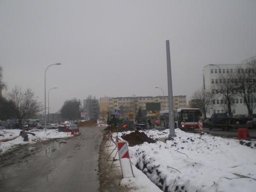 Słup trakcji tramwajowej na ulicy Towarowej (22 stycznia 2015)