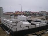 Budowa budynku socjalnego dla motorniczych przy przystanku końcowym u zbiegu ulic Witosa i Kanta (15 lutego 2015)
