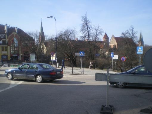 Skrzyżowanie ulic 11 Listopada, Skłodowskiej-Curie, Nowowiejskiego, Staromiejskiej i placu Jedności Słowiańskiej (8 marca 2015)
