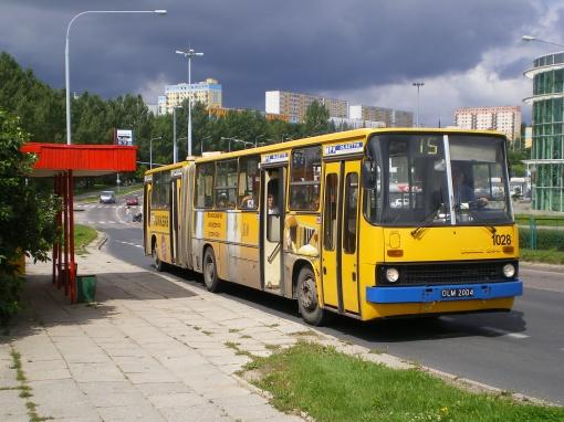 Ikarus 280 na przystanku Carrefour przy ulicy Krasickiego (7 sierpnia 2007)