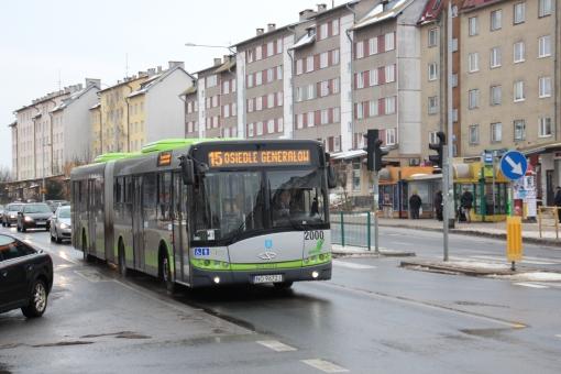 Solaris Urbino 18 na skrzyżowaniu Wilczyńskiego z Boenigka i Kanta
