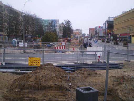 Budowa linii tramwajowej w alei Piłsudskiego (14 kwietnia 2015)