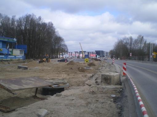 Budowa linii tramwajowej przy alei Sikorskiego (17 kwietnia 2015)