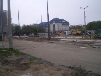 Budowa linii tramwajowej na placu Konstytucji 3 Maja (10 maja 2015) - miejsce przyszłego przystanku końcowego Dworzec Główny