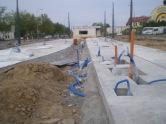 Budowa linii tramwajowej na placu Konstytucji 3 Maja (13 maja 2015) - budynek socjalny dla motorniczych i miejsce przyszłych torów odstawczych