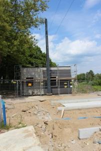 Budowa linii tramwajowej przy ulicy Tuwima (1 czerwca 2015) - budynek socjalny dla motorniczych przy przystanku końcowym