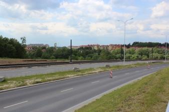 Budowa linii tramwajowej przy ulicy Płoskiego (1 czerwca 2015)
