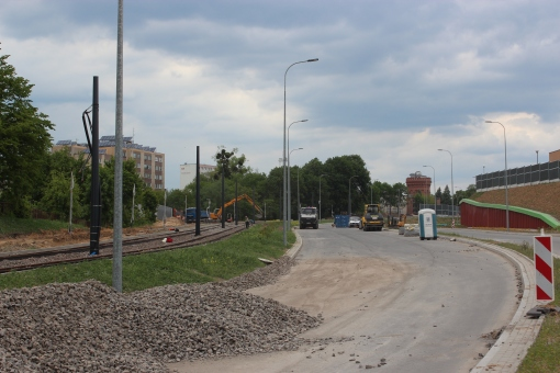 Budowa linii tramwajowej przy ulicy Obiegowej (1 czerwca 2015)