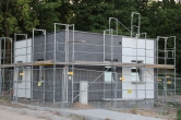 Budowa linii tramwajowej przy ulicy Tuwima (15 czerwca 2015) - budynek socjalny dla motorniczych przy przystanku końcowym