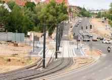 Budowa linii tramwajowej przy ulicy Płoskiego i alei Sikorskiego (12 lipca 2015)