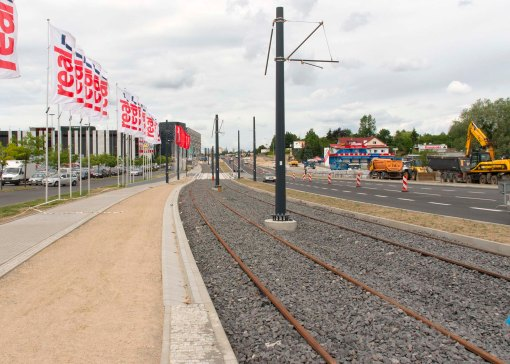 Budowa linii tramwajowej przy alei Sikorskiego (12 lipca 2015)