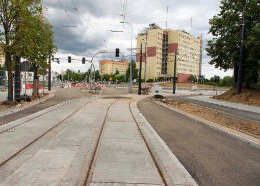 Budowa linii tramwajowej na skrzyżowaniu ulic Żołnierskiej i Obiegowej (12 lipca 2015)