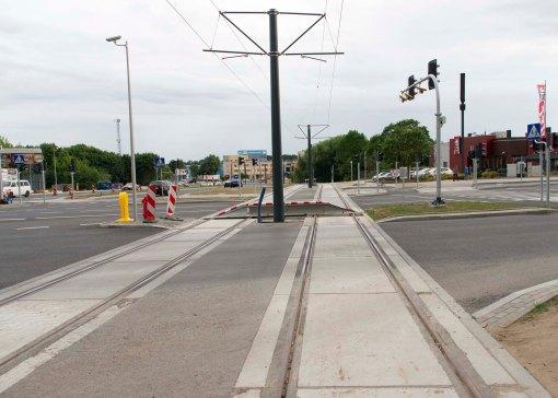 Budowa linii tramwajowej na skrzyżowaniu alei Sikorskiego z ulicami Pstrowskiego i Obiegową (12 lipca 2015)