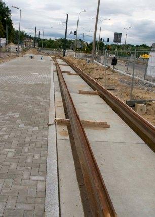 Budowa linii tramwajowej przy ulicy Tuwima (12 lipca 2015) - przystanek Uniwersytet-Pływalnia