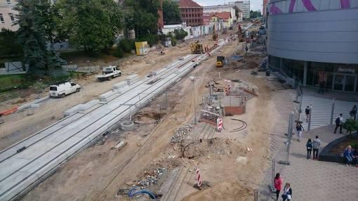 Budowa linii tramwajowej w alei Piłsudskiego (29 lipca 2015)