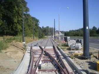 Budowa linii tramwajowej przy ulicy Tuwima (15 sierpnia 2015) - mijanka w pobliżu skrzyżowania z ulicą Iwaszkiewicza