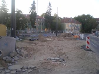 Budowa linii tramwajowej na skrzyżowaniu ulic Kościuszki i Żołnierskiej (15 sierpnia 2015)