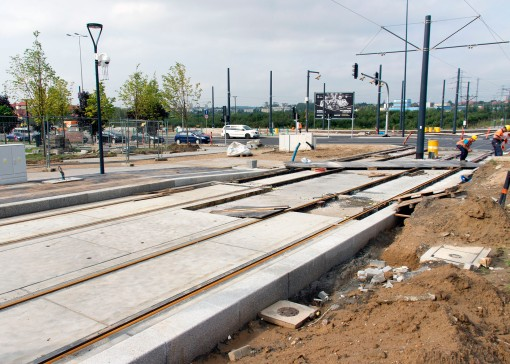 Budowa linii tramwajowej przy ulicy Tuwima (16 września 2015) - przystanek Galeria Warmińska