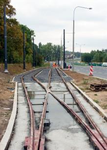 Budowa linii tramwajowej przy ulicy Tuwima (16 września 2015) - mijanka w pobliżu skrzyżowania z ulicą Iwaszkiewicza
