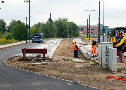 Budowa linii tramwajowej przy ulicy Tuwima (16 września 2015) - przystanek końcowy Uniwersytet-Prawocheńskiego