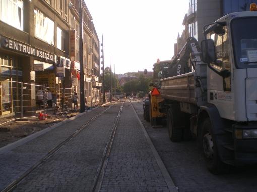 Budowa linii tramwajowej w ulicy 11 Listopada (31 sierpnia 2015)