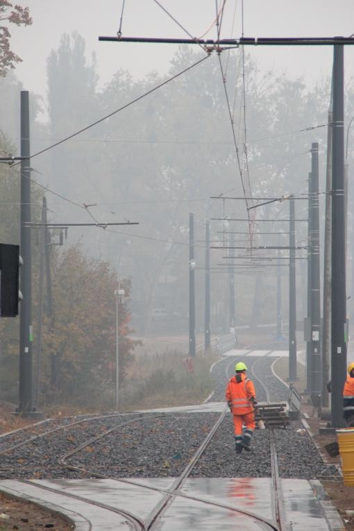 Budowa linii tramwajowej przy ulicy Tuwima (18 października 2015) - mijanka przy skrzyżowaniu z ulicą Iwaszkiewicza