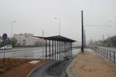 Budowa linii tramwajowej przy ulicy Witosa (18 października 2015) - wiata dla rowerów przy przystanku końcowym Kanta