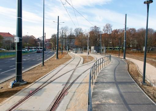 Linia tramwajowa przy ulicy Tuwima (31 października 2015) - przystanek końcowy Uniwersytet-Prawocheńskiego
