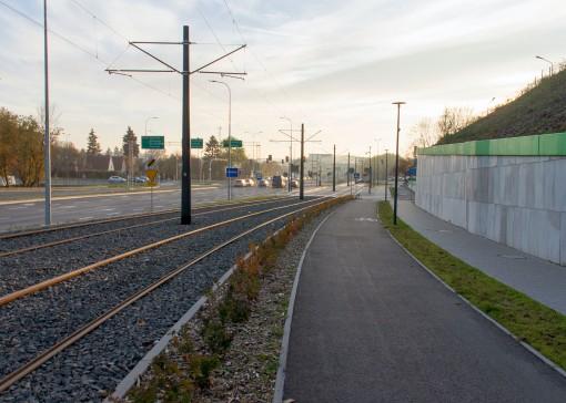 Linia tramwajowa przy ulicy Obiegowej (31 października 2015)