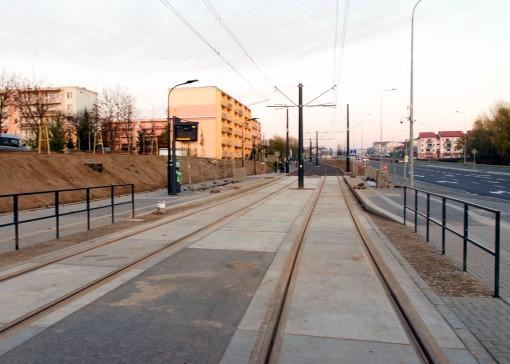 Linia tramwajowa przy ulicy Witosa (31 października 2015) - przystanek Witosa