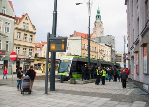 Solaris Tramino Olsztyn S111O #3005 na przystanku końcowym Wysoka Brama (19 grudnia 2015)