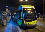 Solaris Tramino Olsztyn S111O #3001 na linii 2 w pierwszym dniu jej kursowania (27 grudnia 2015) na przystanku początkowym Dworzec Głównym tuż przed rozpoczęciem inauguracyjnego kursu (godzina4:53)