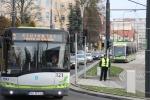 Solaris Urbino 12 na autobusowej linii 1 i Solaris Tramino Olsztyn S111O na tramwajowej linii 1 w alei Piłsudskiego (19 grudnia2015)